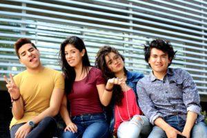 Jovenes hispanos