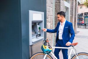 Latinos uso de servicios financieros en USA